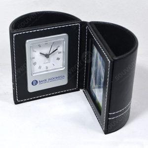 Pen Holder Kulit Magnetik Photo Frame Jam LY6070