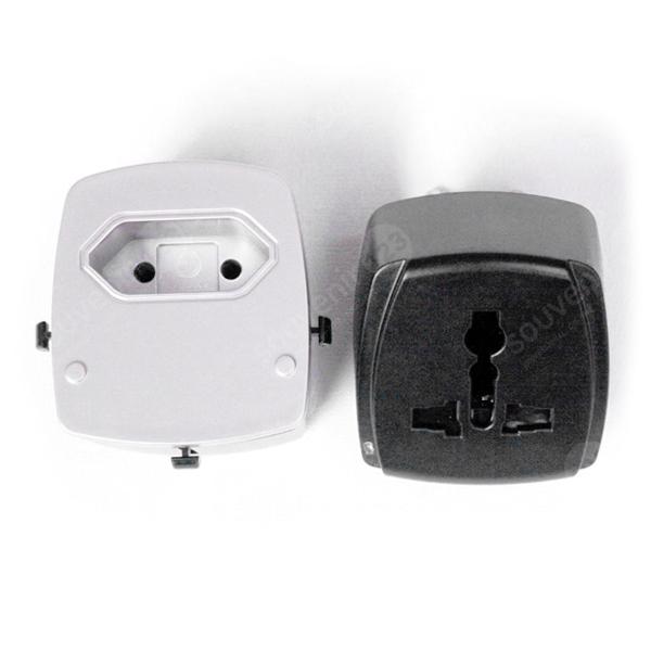 Travel Adapter 4 Port USB UAR06