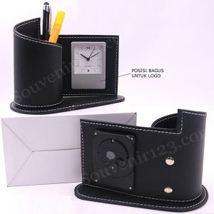 Jam Meja + Pen Holder Kulit JK01